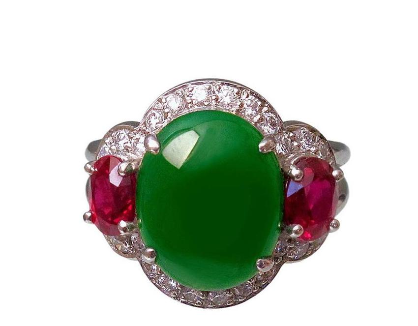 кольцо из жадеита