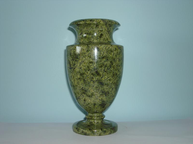 ваза из змеевика