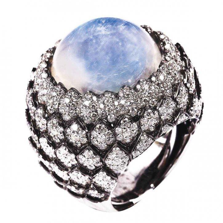 кольцо из лунного камня